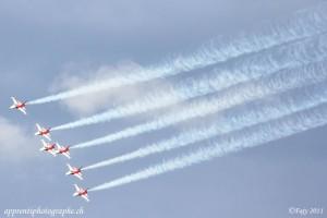 Sion Air Show 2011, la patrouille suisse avec les fumigènes en action