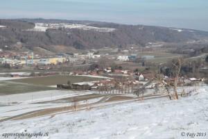 Le village de Curtilles près de Lucens pris à 55mm
