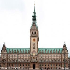 Le parlement de Hambourg - après correction de la perspective