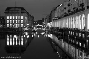 La Kleine Alster et l'écluse du Rathaus - Hambourg - désaturation en mode luminosité