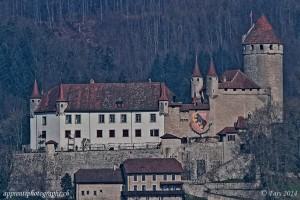 Le château de Lucens en HDR vu depuis Curtilles