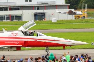 L'image de ce pilote de la patrouille suisse, le pouce levé, résume à elle seule les promesses tenues par le meeting aérien AIR14