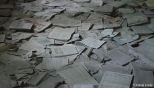 Un amoncellement de papier, vestige d'une civilisation disparue, Pripiat, Tchernobyl