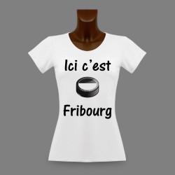 Slim Frauen T-shirt Eishockey Puck - Ici c'est Fribourg