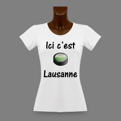 T-Shirt slim moulant dame - puck de hockey - Ici c'est Lausanne