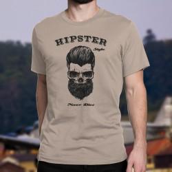 HIPSTER Style Never Dies ★ Der Hipster-Stil stirbt nie ★  Humoristisch Herren T-Shirt mit einem Schädel, der Bart und Haare träg