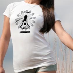 I am a meditating Girl ꕤ Je suis une fille méditative ꕤ T-Shirt dame, silhouette d'une femme lévitant en position du Lotus