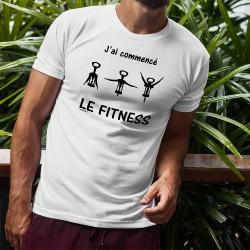 J'ai commencé le Fitness ★ T-Shirt apéro humoristique homme tire-bouchon dans 3 positions de gymnastique différentes