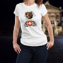 Damenmode-T-Shirt mit dem Kopf eines knurrenden Bären, der das T-Shirt zerreißt und das Wappen der Schweiz zwischen den Krallen