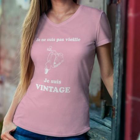 """T-shirt coton Dame - Vintage Vespa, scooter italien de légende et texte humoristique """"Je ne suis pas vieille, je suis vintage"""""""