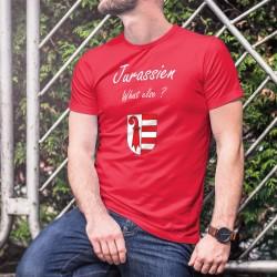 Jurassien, What else ? ★ T-Shirt coton homme tiré d'une marque de café espresso bien connue et de l'écusson du canton du Jura