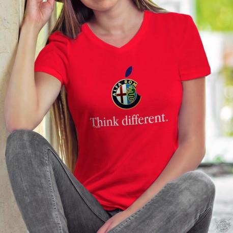 Alfa Romeo Think different ✻ penser différemment ✻ T-Shirt coton dame le logo de Alfa Romeo inspirée d'une marque de smartphones