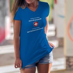 En Suisse on va au bistrot aussi vite que possible et on rentre à la maison aussi lentement que nécessaire ✚ T-Shirt coton dame