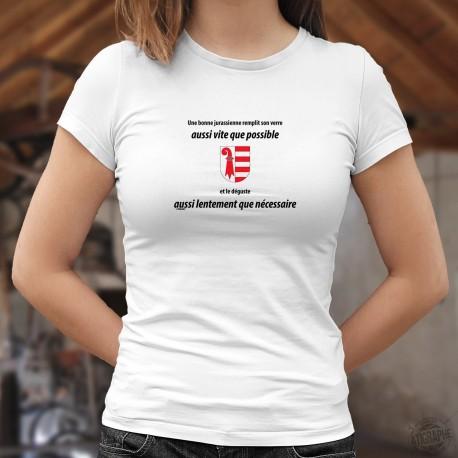 Women's fashion T-Shirt - Une jurassienne remplit son VERRE aussi vite que possible ❤