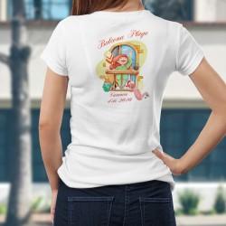 Balcona Plage ❤ Vacances d'été 2020 ❤ T-Shirt mode femme avec une fille en pyjama et pantoufles lapin, sur un balcon