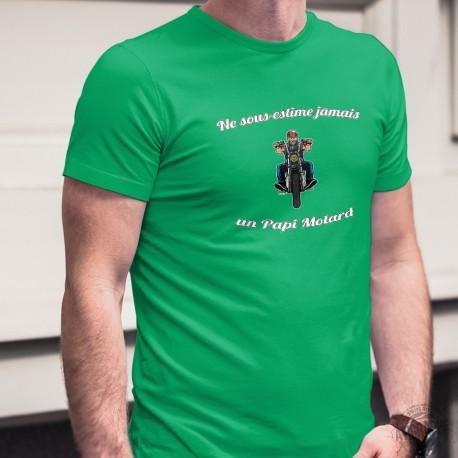 Men's cotton T-Shirt - Ne sous-estime jamais un Papi Motard ★