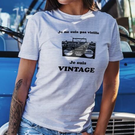 Vintage radio ★ je ne suis pas vieille, je suis vintage ★ T-shirt décontracté dame avec un Ghetto-blaster, radio des années 80