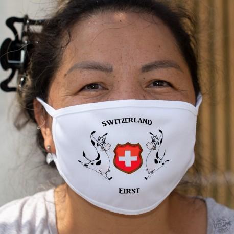 Switzerland First ✚ La Suisse d'abord ✚ Masque en tissu double couche lavable, écusson Suisse et Vaches Holstein