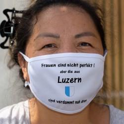 Frauen sind nicht perfekt aber die aus Luzern sind verdammt nah dran ★ Luzerner Wappen ★ Schutzmaske aus Stoff