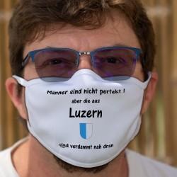 Männer sind nicht perfekt aber die aus Luzern sind verdammt nah dran ★ Luzerner Wappen ★ Schutzmaske aus Stoff