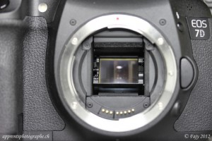 Miroir devant le capteur du Reflex Canon EOS 7D