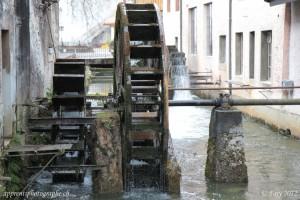 Roues à aubes servant à entrainer les machines utilisées dans les forges