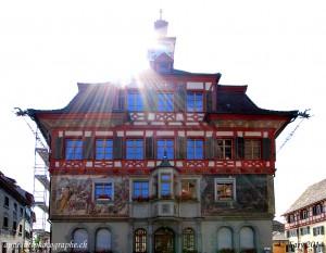 Le Rathaus de Stein am Rhein, construit en 1539. C'est devant lui que se tenaient  les grands marchés hebdomadaires et annuels.